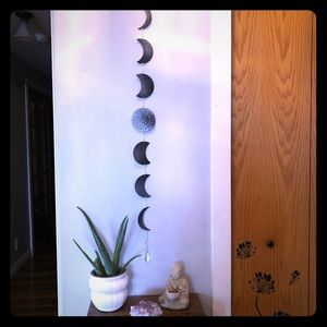 Black and silver moon phase garland